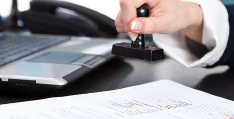 עבודות שירות וקנס כבד על אדם שגנב את חומרי החקירה שלו מרשות המיסים